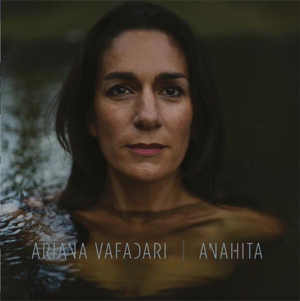 Ariana Vafadarirevient avec l'albumAnahita